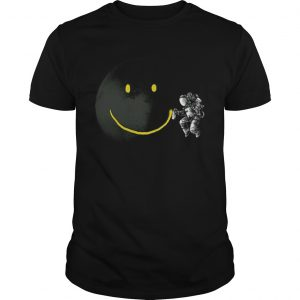 Awesome Make a Smile Graphic Astronaut Make The Moon A Smile  Unisex