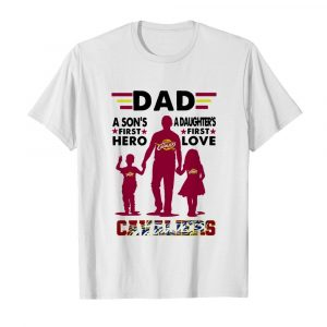 Dad A Son's First Hero A Daughters First Love Cavaliers  Classic Men's T-shirt