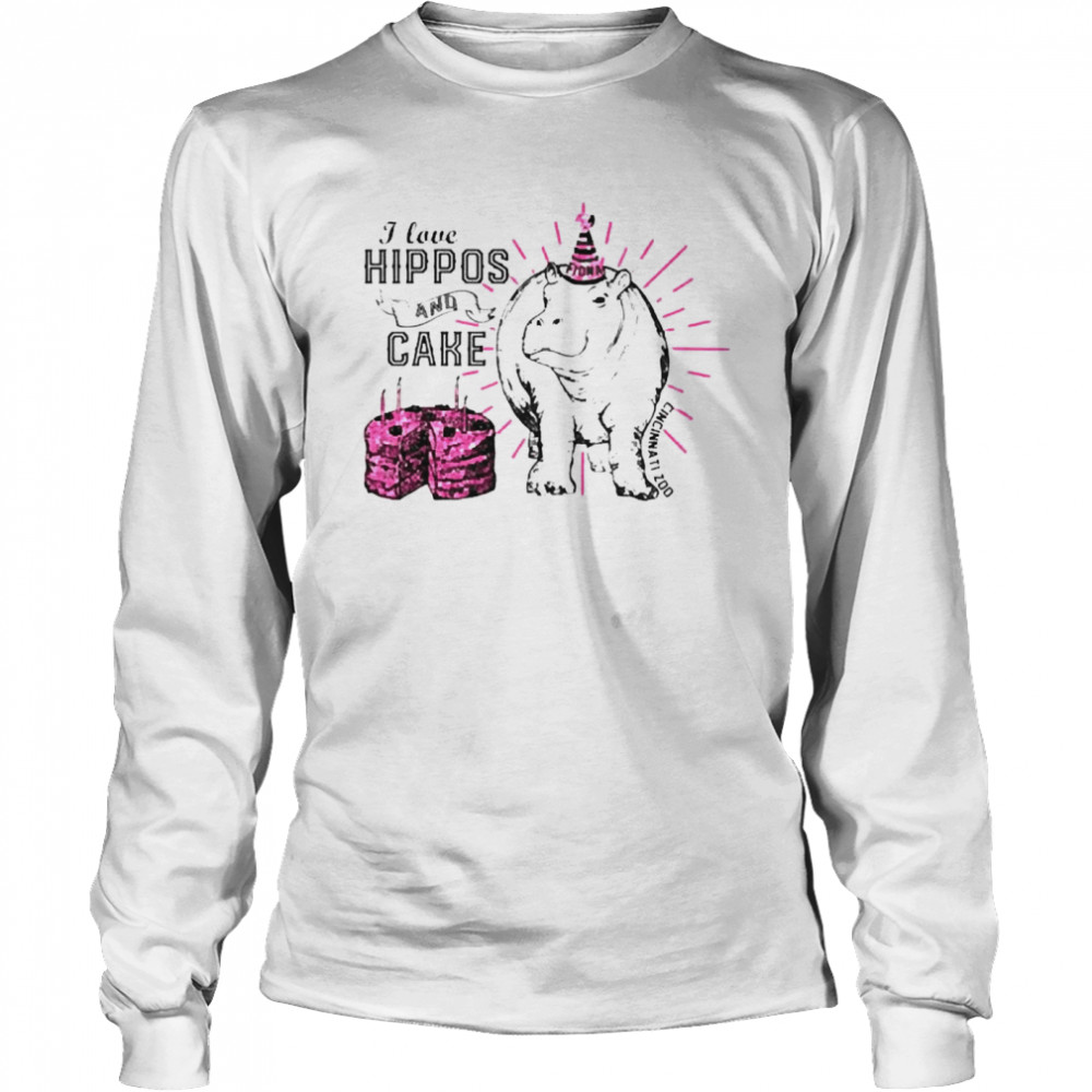 I love hippos and cake  Long Sleeved T-shirt